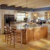 KraftMaid kitchen with cabinetry in Biscotti and Ginger